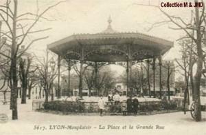 Le Kiosque de la place Ambroise Courtois en 1918